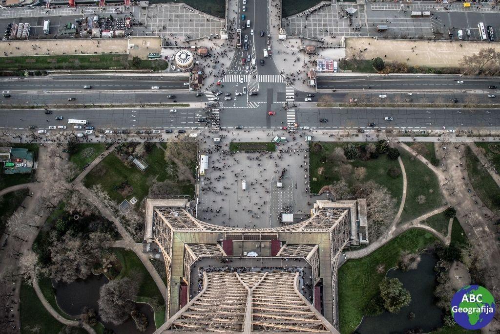 Pogled s Eiffelovog tornja