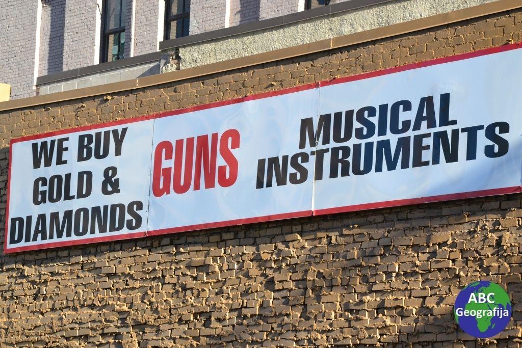"""Reklama u Salt Lake City-ju: """"Kupujemo zlato i dijamante, pištolje, glazbene instrumente"""""""
