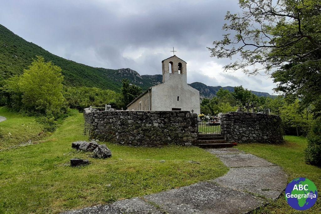 Crkva Svetog Križa u Zagradu