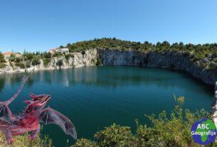 jezero Zmajevo oko kod Rogoznice
